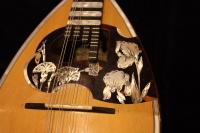 http://gj.294bros.com/news/mandolinfair/iguchi06.JPG