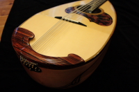http://gj.294bros.com/news/mandolinfair/iguchi11.JPG